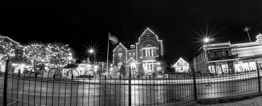 Black and white image of City Hall